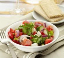 Recette - Salade de Caprice des Dieux et tomates - Notée 4.3/5 par les internautes