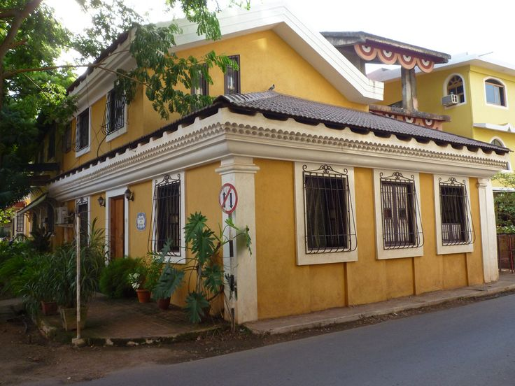 #Fontainhas is an old Latin Quarter in the city of #Panaji in #Goa, India. It maintains to this day its #Portuguese influence, namely at the architectonic level, such as narrow streets, old villas and buildings painted in lively colors.