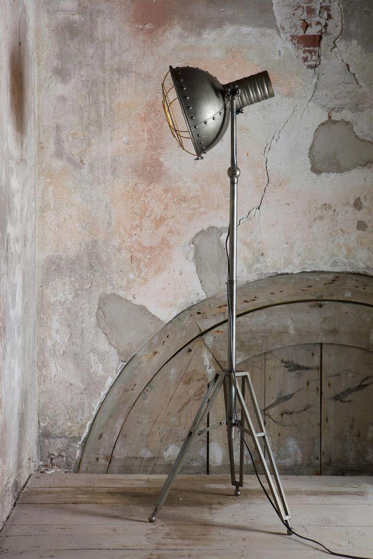 Bepurehome Spotlight Staande Vloerlamp Metaal - Design meubelen & verlichting | Altijd SALE | Korting vanaf 2 stuks | Zuiver