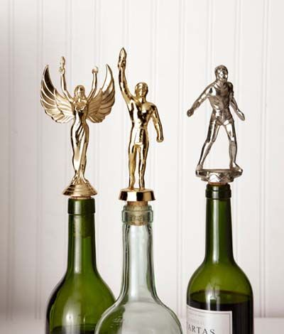 Weekend Project: Trophy Wine Corks For Champion Winos...I am so making these for my mother!