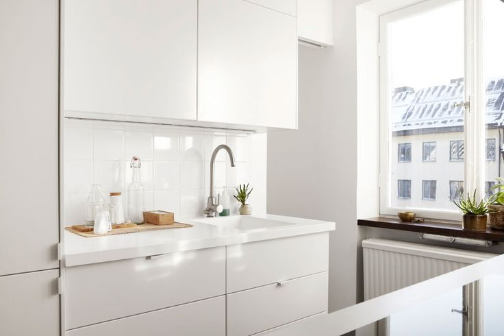 Minimalist And Airy Apartment Scandinavian Decorating