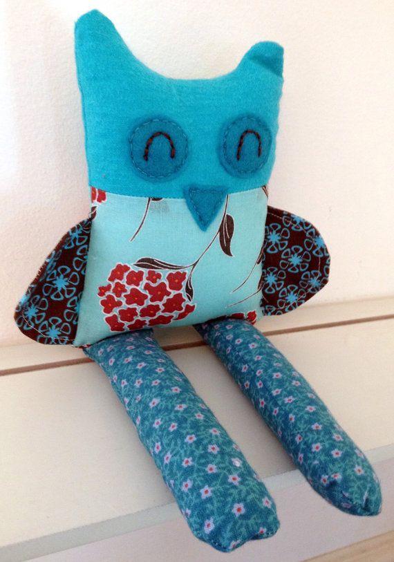 Petite peluche Hibou personnalisée dans les couleurs par Doudoulab, $35.00