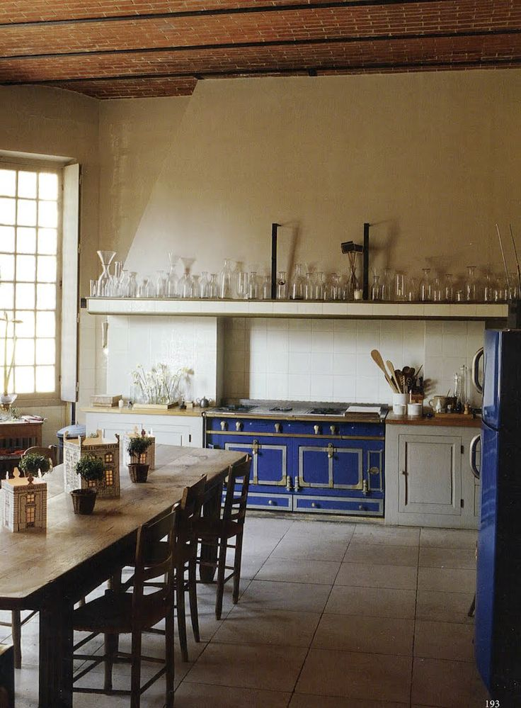 The World Of Interiors   Marie France Boyer    Real French Country Kitchen