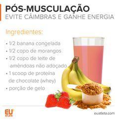 EuAtleta INFO 5+ Pós Musculação (Foto: Eu Atleta) As proteínas do whey protein e do leite de amêndoas ajudam a restaurar os músculos. Enquanto a banana, rica em potássio, evita cãibras. Por ser fonte de carboidratos, a fruta também fornece energia e potencializa a absorção do whey protein. Já o morango adiciona vitamina C e licopeno ao suco.