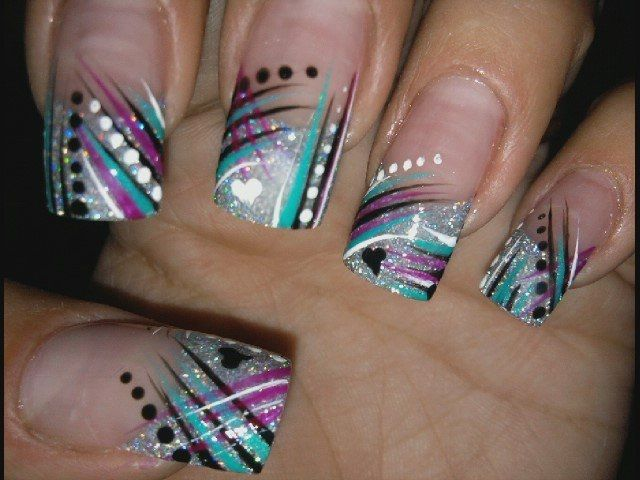 Easy Colorful Nail Art Ideas http://www.bodycare.becomegorgeous.com/hands_and_nails/easy_colorful_nail_art_ideas-3850.html#