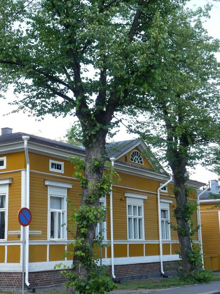 Tampere. Näsilinnankatu ja Puuvillatehtaankatu