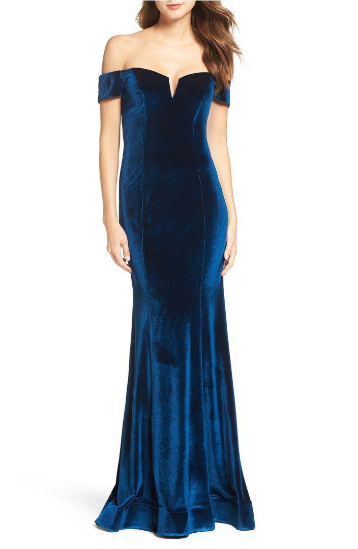 Mavi Omuzları açık Parlak Kadife Abiye Modelleri 2018