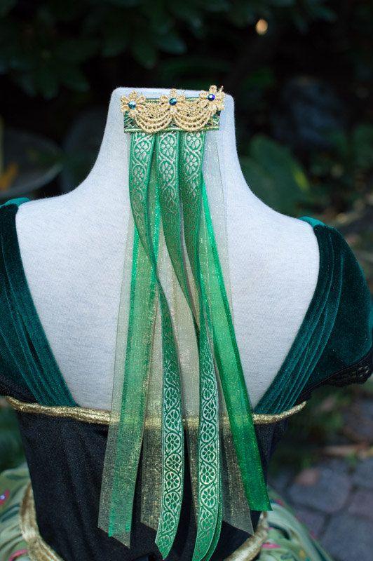 Robe de couronnement de Anna par EllaDynae sur Etsy