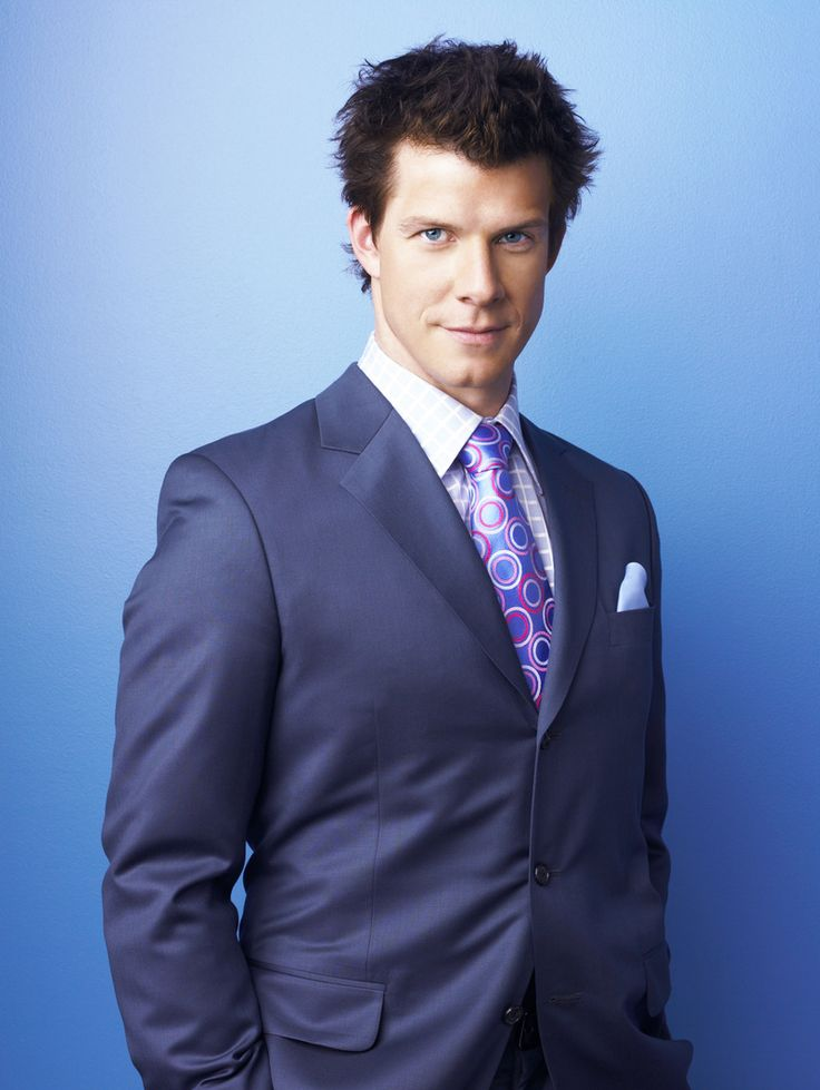 Eric Mabius.....went to high school with him at ARHS!  Go boy!