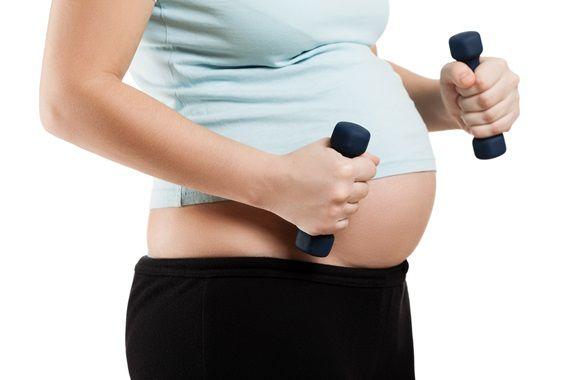 Faire du #sport réduirait le risque de surpoids du fœtus et le risque de césarienne - #grossesse #enfant