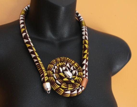 Afrikaanse afdrukken touw doek ketting gelaagde door Khokhodesigns