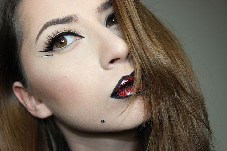 Gpaphics lines, pop-art lips