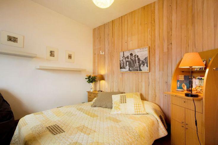 Regardez ce logement incroyable sur Airbnb : Romantique vue sur la Tour Eiffel - Appartements à louer à Paris