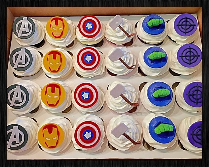 Avengers cupcakes :)