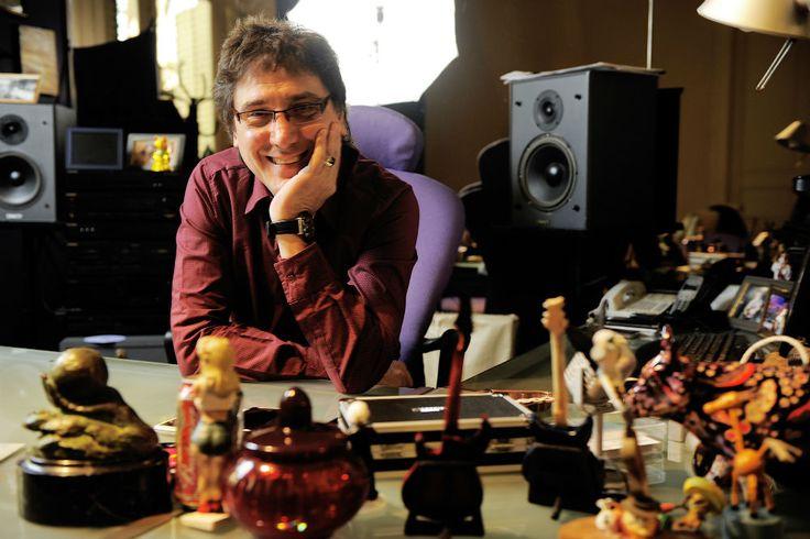 Oscar Mediavilla en su estudio.