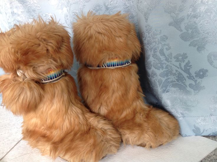 Crazy furry mukluk style boots! Festival fashion alert!