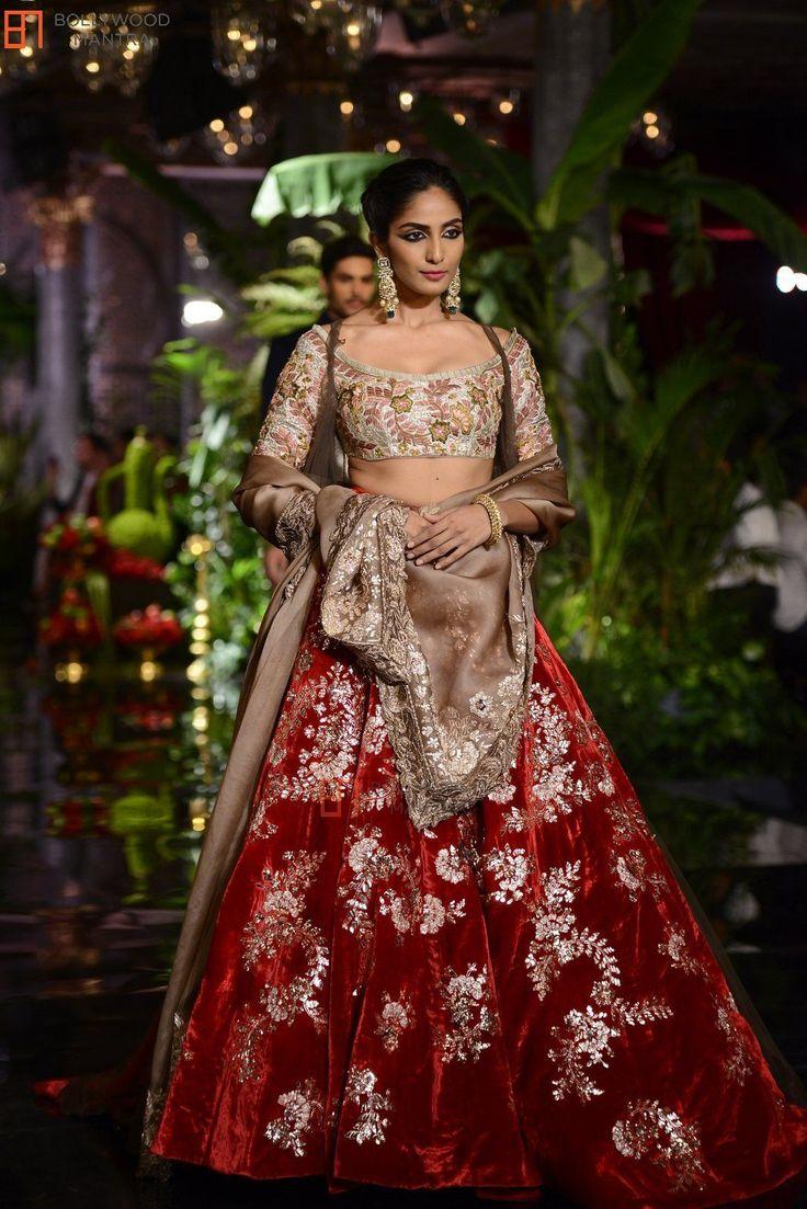 521 Best Wedding Dress Images On Pinterest