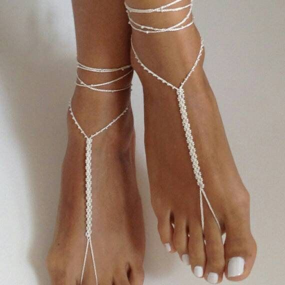 Feet jewelry, crochet ivory barefoot sandals, wedding jewelry, beige bridal accessory, fashion gift, wedding gift, shoes, summer accesory