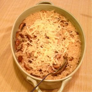 Baked Mushroom Risotto - all the components of a stove top risotto, but without all the stirring!