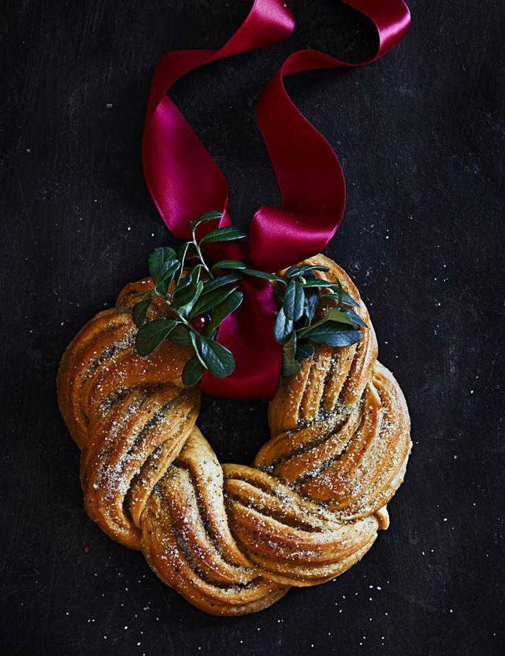 Saffron Wreath