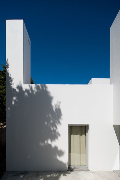 Three houses in Meco by DNSJ.arq