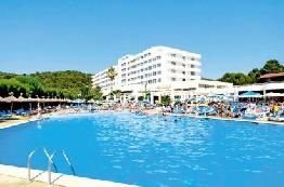 Holiday to Victoria Playa Hotel in SANTO TOMAS (SPAIN) for 7 nights (AI) departing from LTN on 29 Aug: Twin Room with Balcony for 2 Adults…