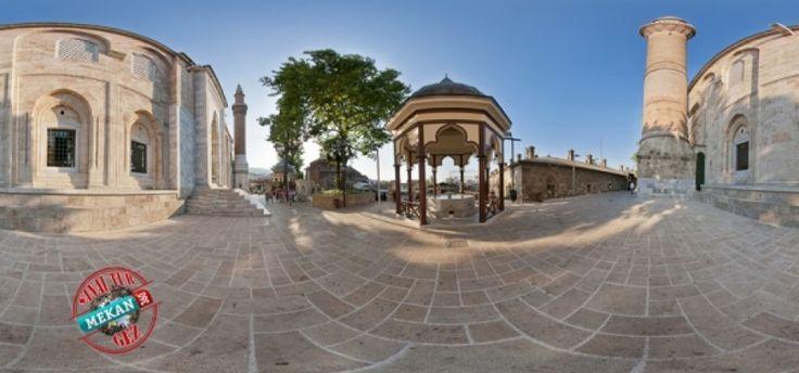 ''Bursa'nın Ayasofyası: 202 Kubbeli Camii''  Bursa Ulu Camii'yi Sanal Tur ile 360 Derece Gez!  Mekan360 ile heryerden, gezdiğin yeri 360° hisset
