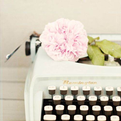 there's just something I love about typewriters...