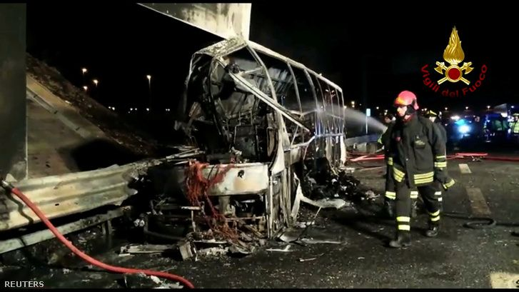 16 hungarian students burned to die in a bus-crash in Italy (2017.01.20.)