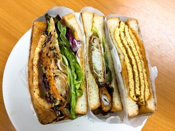 サンドイッチに蟹が1匹丸ごとドーン! 表参道『トーストサンドイッチバンブー』がファビュラスすぎる!! トーストサンドイッチバンブー 表参道 | Toast Sandwich bamboo