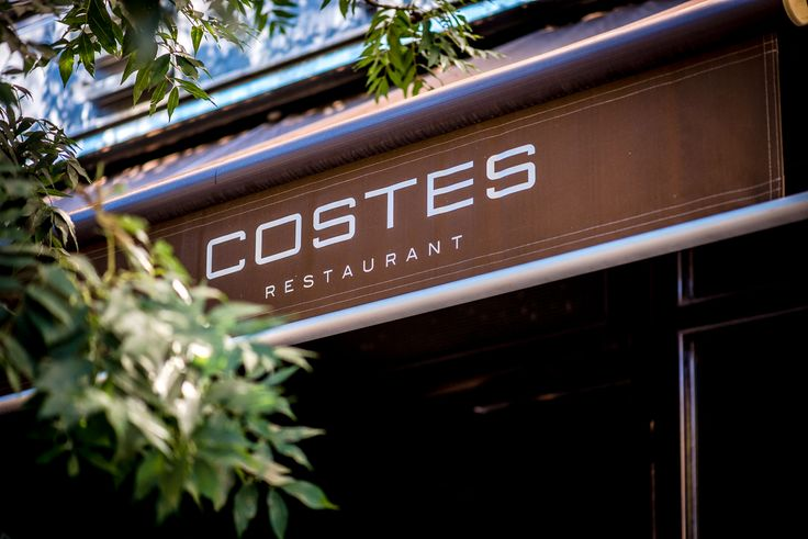For its quality, creativity, atmosphere and service, there isn't a better place to have dinner in Budapest than the Costes restaurant. A proof of this is its Michelin star.
