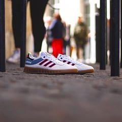 Adidas handball top  Vintage-White-Core-Black-Shock-Pink  Size   40 ... 4edfef58a