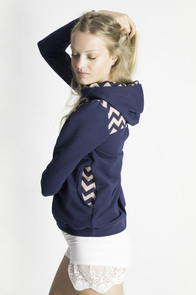 Cozy up hoody in navy blue
