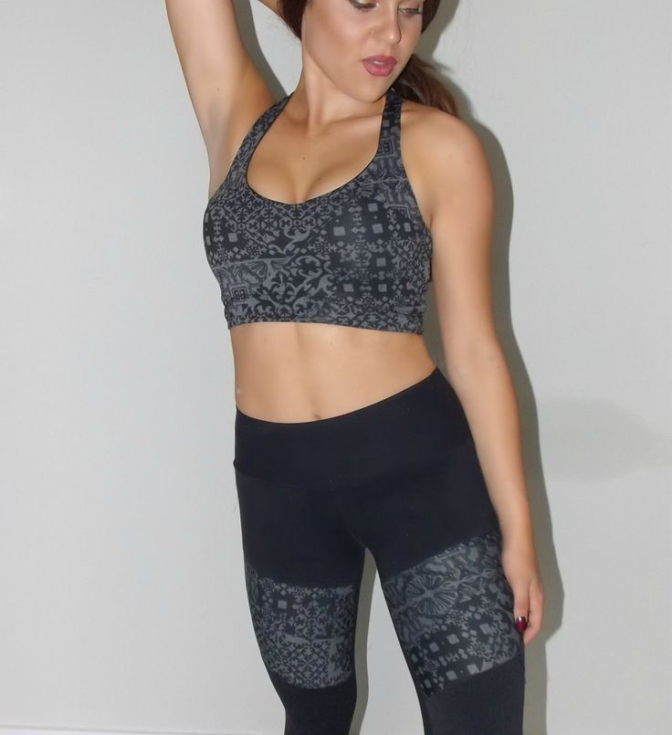 Fit Fashion - printed black sports bra - gym style and activewear