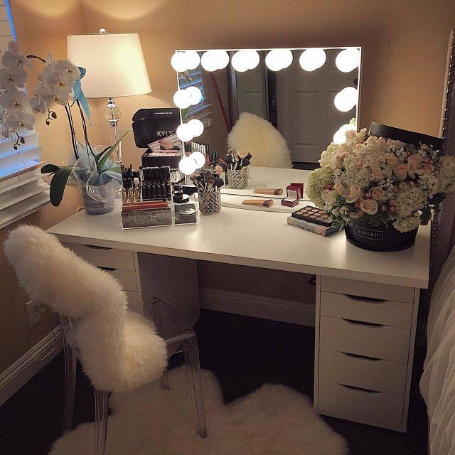 YASSS! First #ImpressionsVanityGlowXLPlus customer post and what a GORGEOUS one at it!  Happy birthday @lizzyyliz_ we hope you're enjoying the féyonce's gift! Featured: Impressions Vanity Glow XL Plus in White with Frosted LED Bulbs / IKEA Alex Drawers  Tabletop