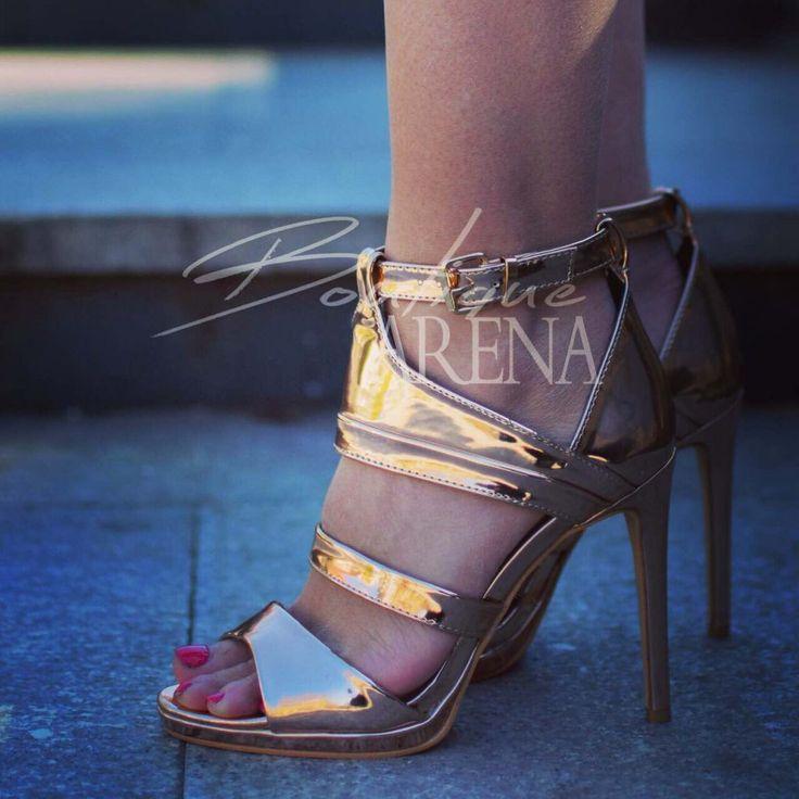 Straluceste in orice moment cu aceste sandale dama cu toc Hansell Aurii!