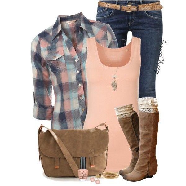 Love the entire outfit, especially the boots, leg warmers and bag!
