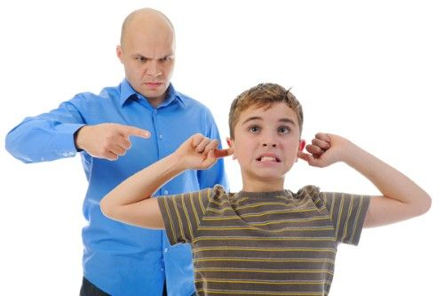 Son muchas las ocasiones en las que los pequeños retan las normas que les ponemos los adultos y actúan desobedeciendo.