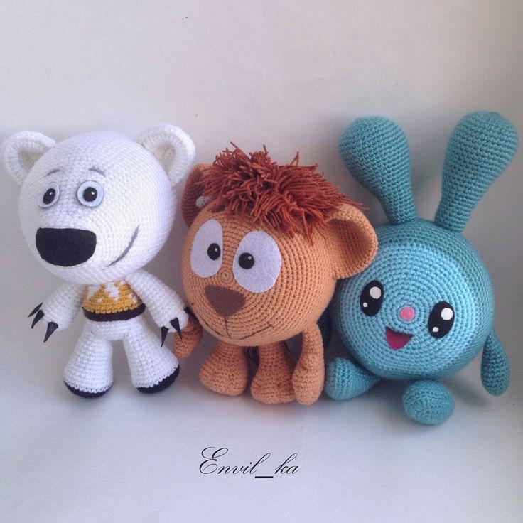 Фото для сравнения размеров малышни) #knitting #amigurumi #crochet #амигуруми #крючком #вяжукрючком #вязание #игрушки #мишкимимимишки #мимимишки #малышарики #смешарики #крош #ушарик #тучка #нюша #нюшенька #крошик #amigurumitoys #crochettoys #вяжемдетям