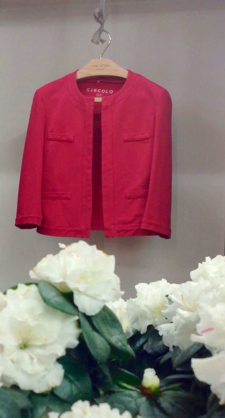Short Cotton Woman Jacket in a beatiful strawberry red. The solution for a sleeveless summer dress -www.lanamoda.it