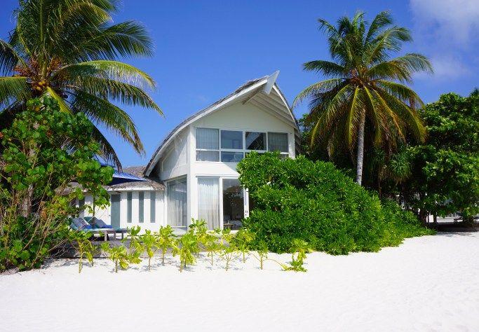 Beach Villa on the lagoon side | Viceroy Maldives