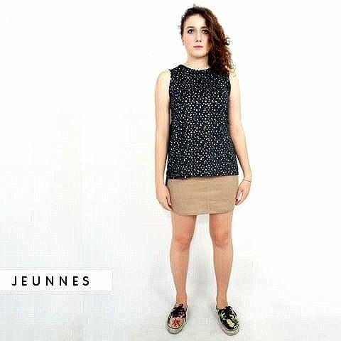 Weekend time to shopping! Dapatkan article baru kita, MINI SKIRT dengan material fabric corduroy dengan model yang kasual hanya di www.jeunnes.com