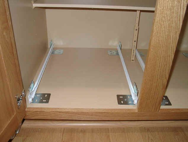 L brackets! slide on bottom of pull out - Google Search - Best 25+ Pull Out Shelves Ideas On Pinterest Deep Pantry