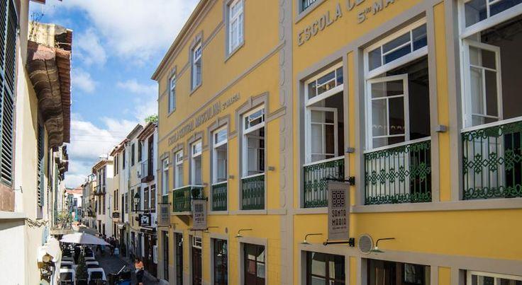 €33 O Santa Maria Hostel é um hostel boutique com uma decoração em estilo vintage e está localizado num edifício histórico e tradicional do centro histórico do...
