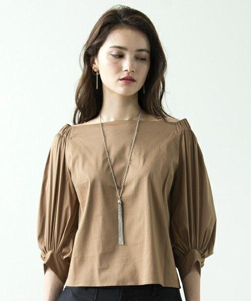 【ZOZOTOWN|送料無料】UNITED TOKYO(ユナイテッドトウキョウ)のシャツ/ブラウス「オフショルダーギャザーブラウス」(506304012)を購入できます。