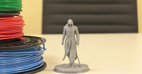 3D printed Assassin, 10cm tall, on Ultimaker 2. #3dprinted #3dprinting #assassincreed