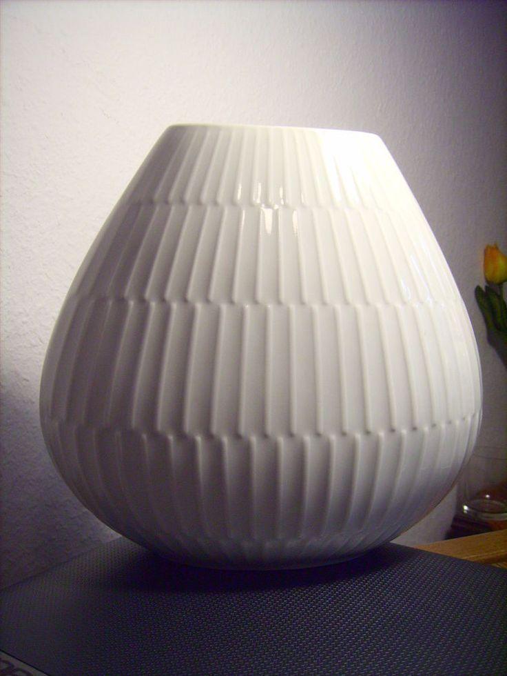 Alte ovale  Vase Heinrich Porzellan Relief ~~~wundervoll