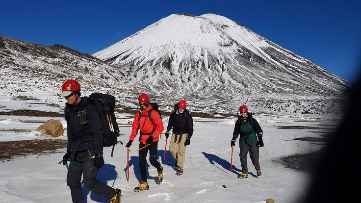 A beautifully crisp winter's day on the Tongariro Crossing. #tongariro #tongarirocrossing #unesco #northisland #newzealand