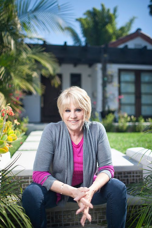 Lorna Luft daughter of Judy Garland and great singer and entertainer in her own right.