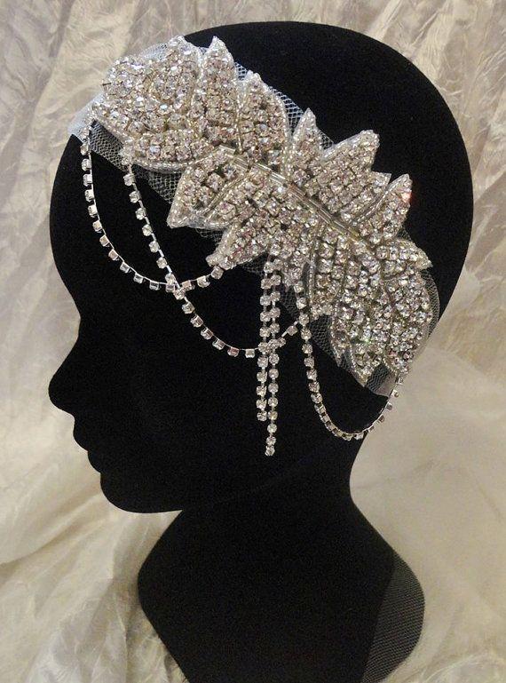 Diadema novia de la boda de tul y cristales swarovski por Zalanya